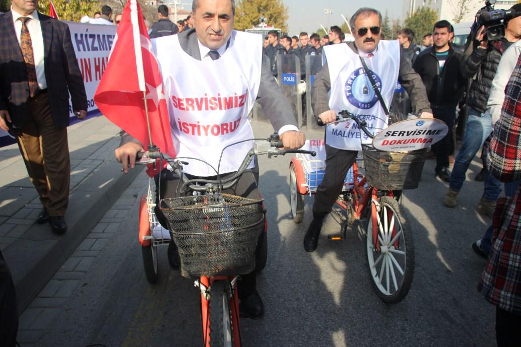 TÜRK BÜRO-SEN EYLEMİNE POLİS MÜDAHALESİ