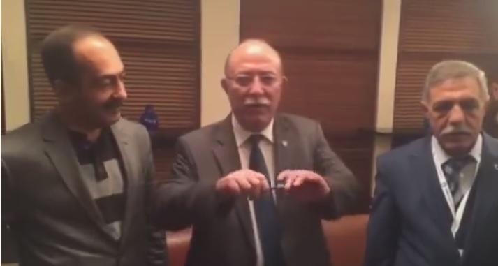 """KONCUK,""""DOĞU TÜRKİSTAN'A HÜRRİYET"""" DİYEREK KALEM KIRDI"""