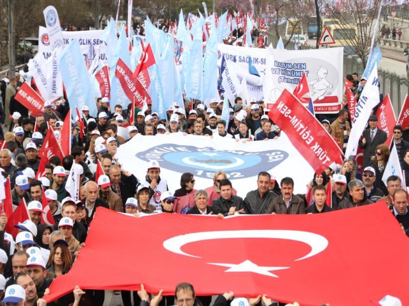 50 BİN MEMUR BAŞKENT'İ SALLADI!