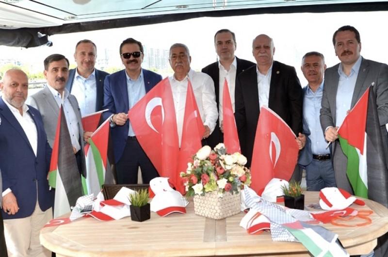 İSTANBUL'DA, KUDÜS MİTİNGİNE KATILDIK