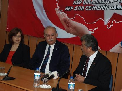 CHP'DEN TÜRKİYE KAMU-SEN'E ZİYARET