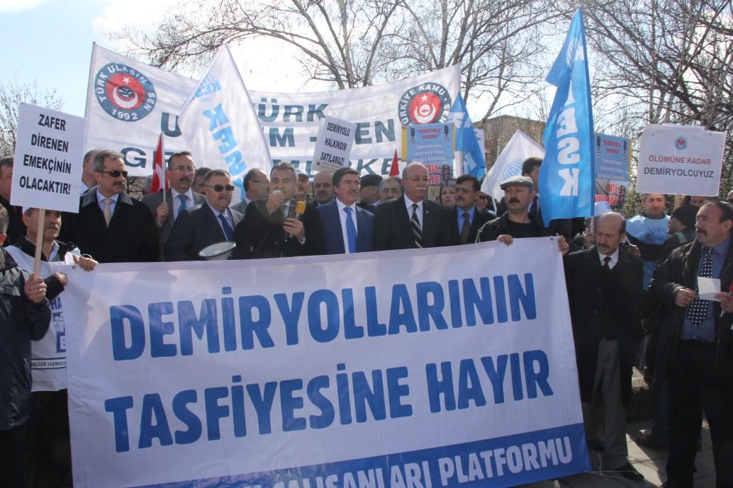 """""""DEMİRYOLU HALKINDIR, SATILAMAZ"""""""